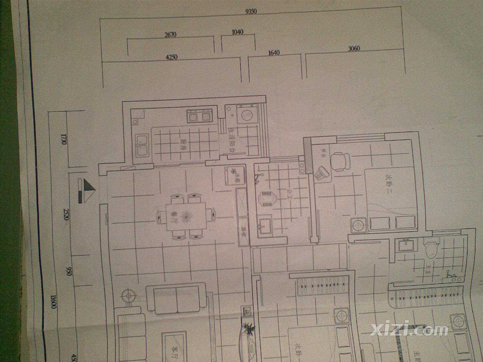 装修高手帮我看看客厅和过道要怎么铺砖才能对齐