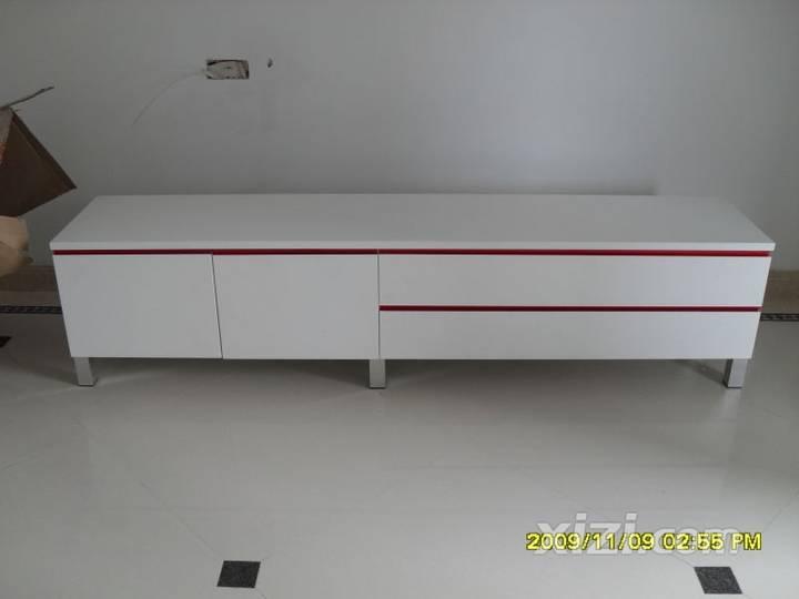 图图片:烤漆电视柜正面.jpg电视柜安装好以后正视图效果不错吧